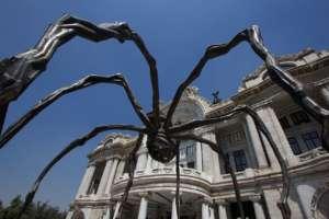 Una de las obras Louise Bourgeois, escultura de más de 9 m de alto.